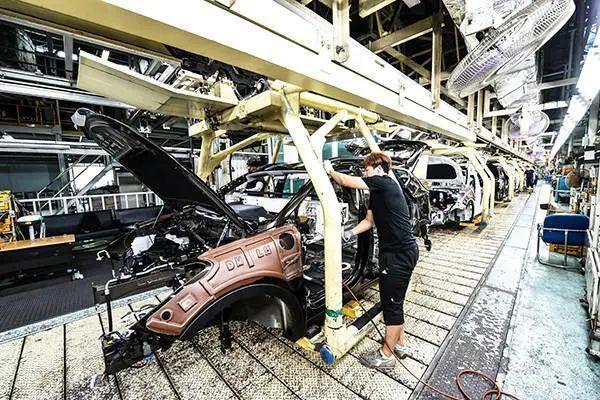 印度汽车业大面积停摆大众、丰田等公司暂停工厂生产