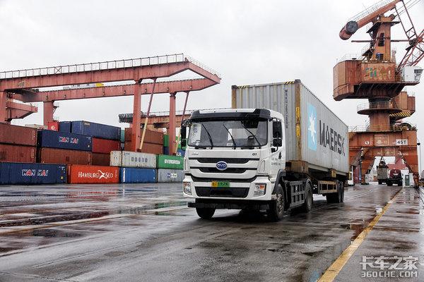 交通部:仅剩34个国际道路运输口岸开放境外输入货运司机约8000人