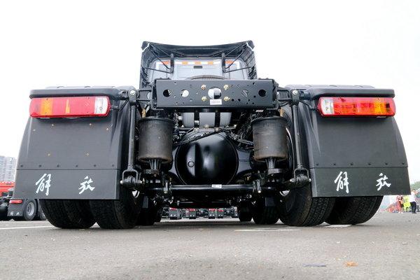 买车就得一步到位550马力配AMT变速器2600牛米比肩欧卡