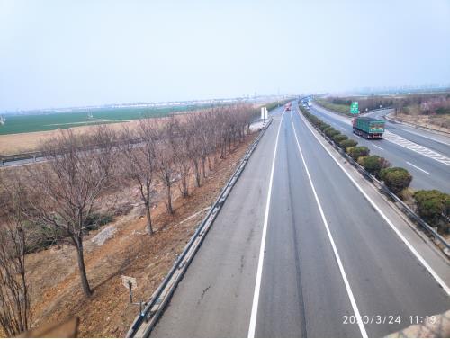 20天查货车占道13000起走青银高速河北段一定要注意