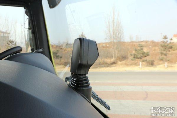 将近50万的价格540马力10气囊汕德卡智能卡车你喜欢吗?
