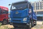 少见的蓝色涂装,货厢能多装2方货,实拍解放JH6 8X4自卸车