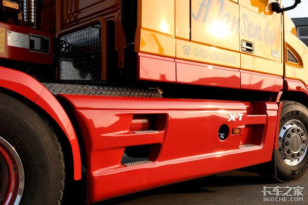 达夫这款9年前的改装长头卡车,和国产车相比仍然可圈可点