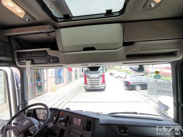 """斯堪尼亚""""小个子""""牵引车为啥是快递老板的最爱,它有啥绝招?"""