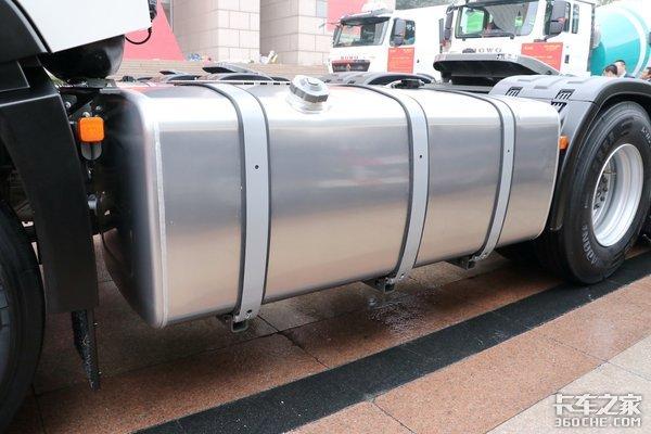 自重仅7.9吨看完内饰更爱了!重汽豪沃TX7是我想要的车没错了