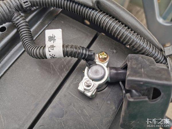 卡车小百科(29):车辆没电搭个电到底是先正极还是先负极?