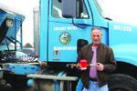 防止刹车冻结 卡车司机发明刹车松开器