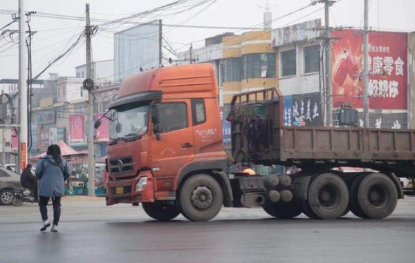 国三货车淘汰步伐加快究竟是好是坏呢?卡友:有点力不从心
