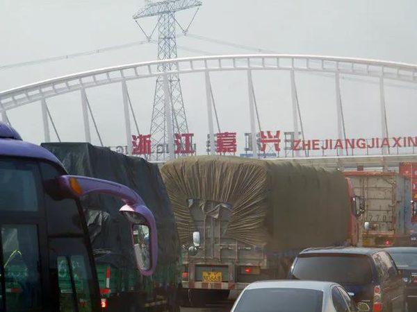 """多省高速政策调整:ETC出入口恢复""""落杆""""、监控全覆盖"""
