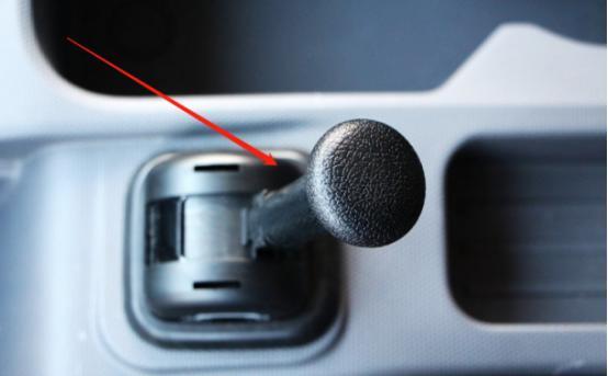 卡车刹车失灵不要慌老司机告诉你如何自救
