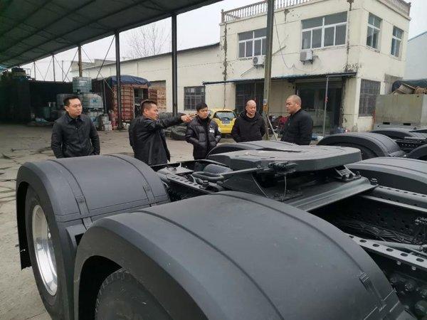 把未来卡车带入现实中国首台奔驰第五代Actros智能卡车交付使用