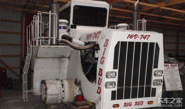 1100马力配3800升大油箱,售价近千万,世界第一大拖拉机见过吗?
