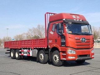 堪称国内最大马力载货车解放J6P560马力8X4车型亮相工信部