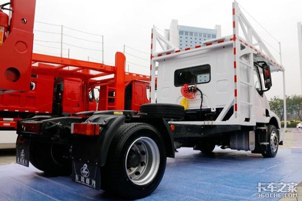 比平头舒适还多拉一台车像BUG一样存在乘龙T5轿运版实力绝对豪横!