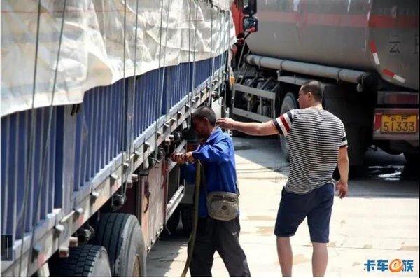 开工后运价持续走低!卡车司机赔本还得干运价上涨更遥遥无期!