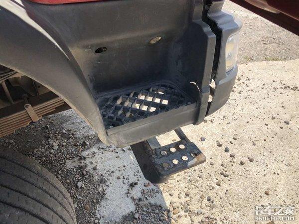 不愧是水泥运输领域的热门,5年的二手柳汽M3自卸车还能卖18万