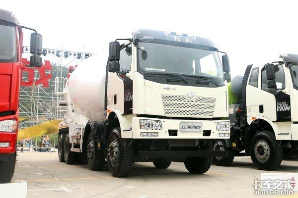 自重不超10吨这台J6L搅拌车装得更多!