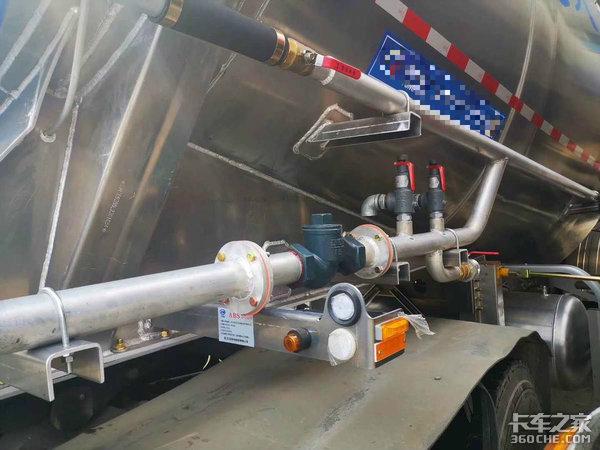 欧曼EST牵引车拉水泥需要这么高配置吗