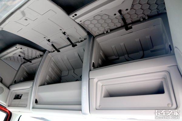 """东康动力+高顶双卧!这款乘龙小三轴装9米7翼厢为快运插上""""翅膀"""""""