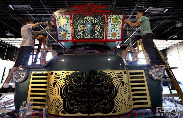 巴基斯坦文化与美国混动卡车完美结合,这样的艺术品你喜欢吗?
