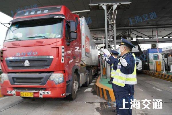 已有14起被查处上海严查非ETC车辆不按规定行驶