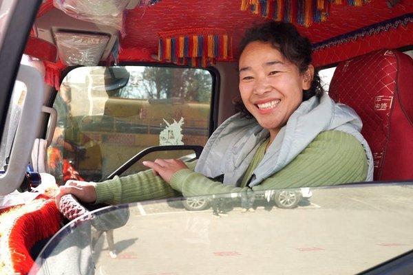 中国卡车司机报告新鲜出炉女性司机面临性别歧视