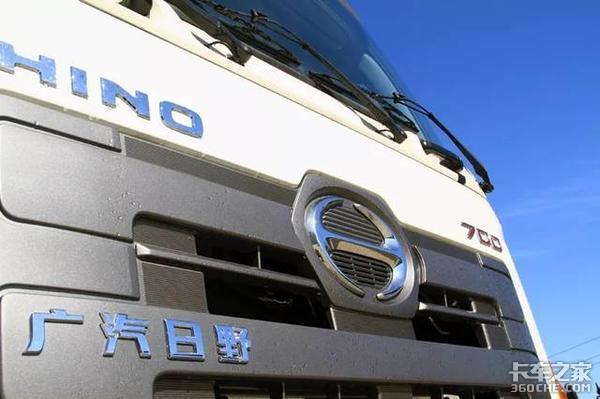 危险品合资车中的高富帅,比国产车贵10多万,实拍日野700液罐车