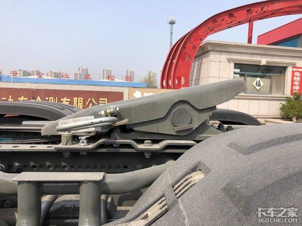 终于见到搭载潍柴的重汽豪沃T7H了,平原标载运输就选它了