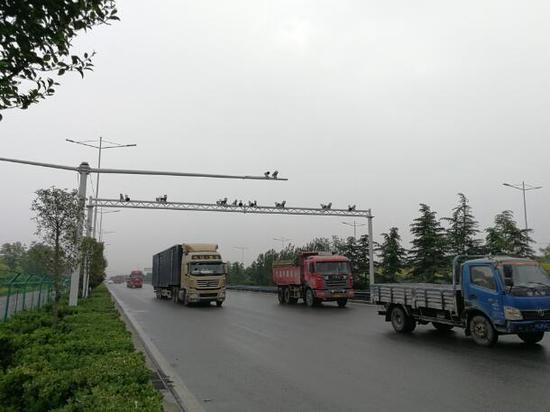 唐山电子警察能人脸识别抓拍非法入市大货车400余辆