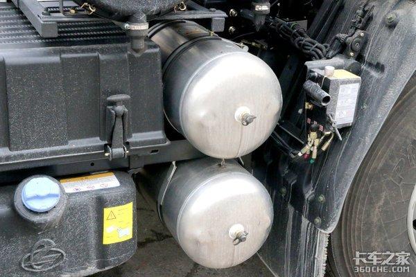 自重不到8吨的轻量化牵引车这款乘龙H5还带车道偏移预警
