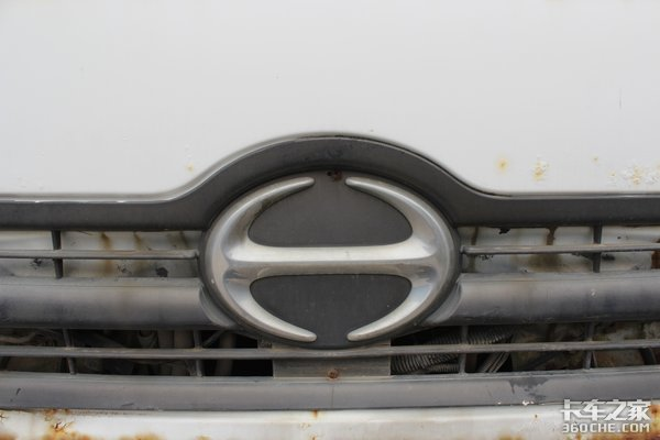 日野500卡车底盘这台搅拌车配置不简单