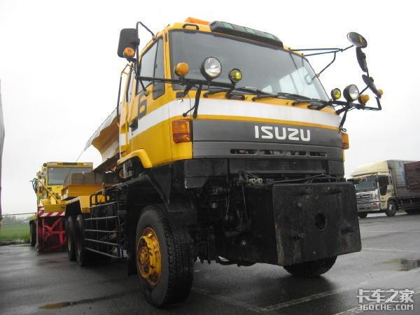 最大载重32吨带你看五十铃6X6重型卡车