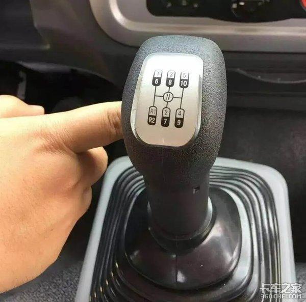 老司机教新手如何才能开好十挡的罐车?