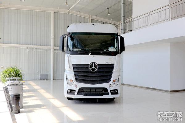 卡车新体验(12)少见的6x4奔驰NewActros真能吊打国产高端?