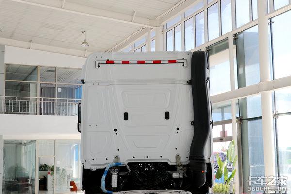 卡车新体验(12)6x4驱动奔驰NewActros