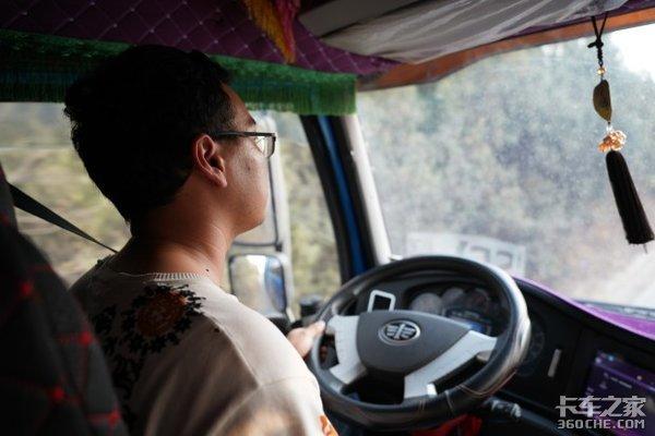 货运行情差想提高收入?节油才是硬道理,看看老司机是怎么开车的