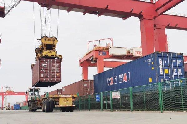 以前半天现在只要2个小时宁波舟山港集卡运输苦日子将结束