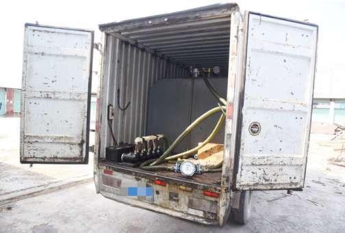 """货车柴油无故蒸发?民警:全是""""油耗子""""在作怪"""