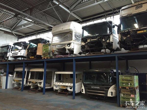 """带你逛逛欧洲二手卡车卖场,你还认得几款""""古董车""""?"""