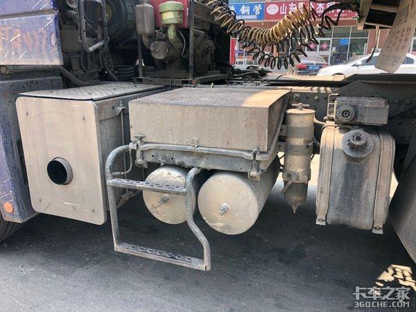 重载牵引车头配轻量化挂车,这台欧曼GTL有点另类