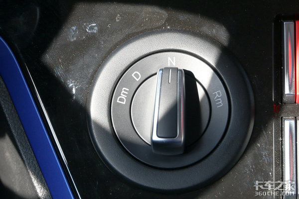 卡车新体验(13)平顶+4×2竟还配AMT这样的悍V2.0够少见!