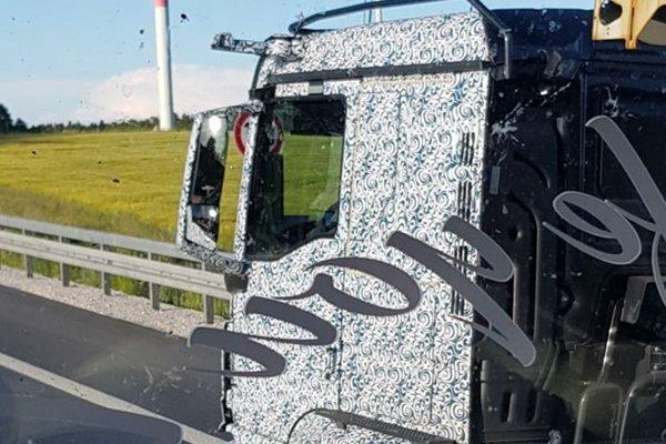 MAN要放弃后视镜?TGS卡车再次进行伪装测试