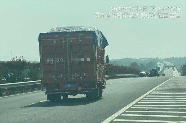 河南高速严查货车不按照规定车道行驶蓝牌货车你走对了吗