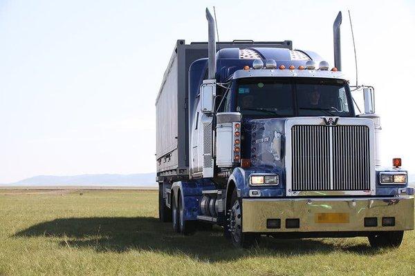重卡持续热销国三车加速淘汰基建带动需求