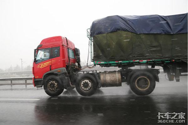 南方雨季就要来了卡友跑车一定要牢记这几点!