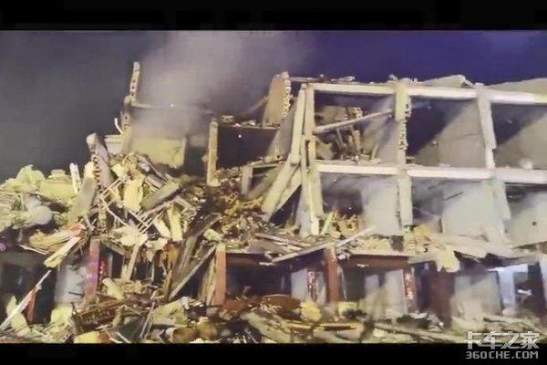 沈海高速槽罐车爆炸已造成10死100多伤救援紧急进行中附视频