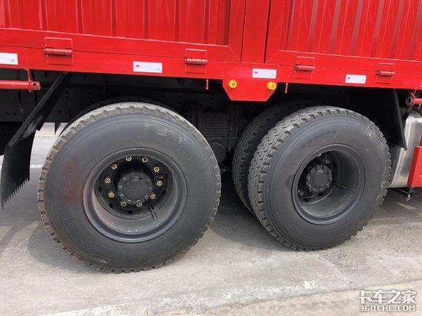 对比三环昊龙8X4、8X2系列载货车,按轴收费后,谁更有优势?