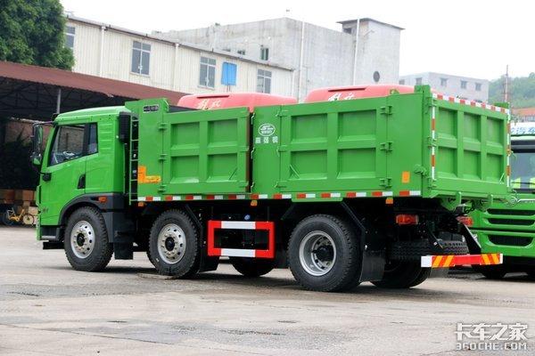 总质量25吨合规多赚小三轴自卸车盘点
