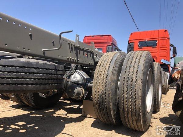重汽G78x4载货车打造绿通运输新选择