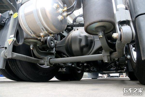 避免事故发生危化品运输车技术不可少